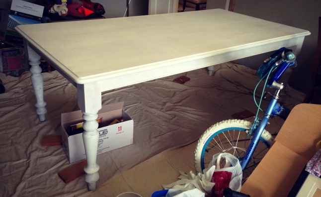 dining table undercoat